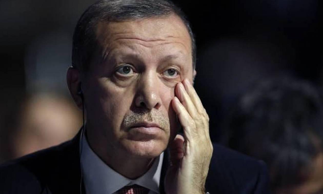 «Μπλόκο» στα αιμοχαρή σχέδια του Ερντογάν βάζει ο Τραμπ: «Θα προστατέψω τους Κούρδους»