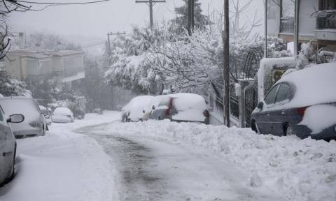 Έκτακτο δελτίο ΕΜΥ: Σαρώνει τη χώρα η «Σοφία» με πολικό ψύχος, χιόνια και θυελλώδεις ανέμους (pics)
