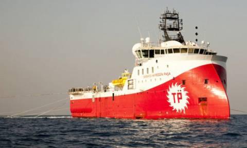 «Κόκκινος» συναγερμός: Το τουρκικό Μπαρμπαρός «αλωνίζει» στη Μεσόγειο με πολεμική συνοδεία