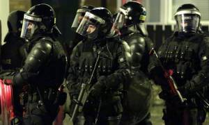 Brexit: Στέλνουν εκατοντάδες αστυνομικούς στη Βόρεια Ιρλανδία γιατί φοβούνται «πόλεμο» στους δρόμους