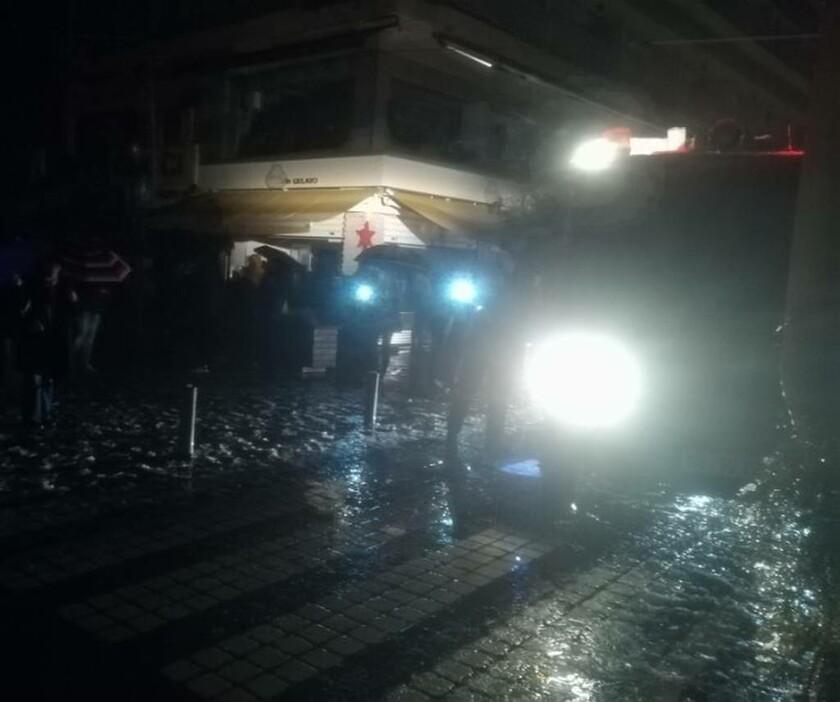 Διακοπή ρεύματος στο κέντρο του Αγρινίου-εγκλωβισμοί σε ασανσέρ (pics)