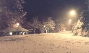 Καιρός: Απεγκλωβίστηκαν επτά άτομα που είχαν παγιδευτεί στα χιόνια σε Πεντέλη και 3-5 Πηγάδια