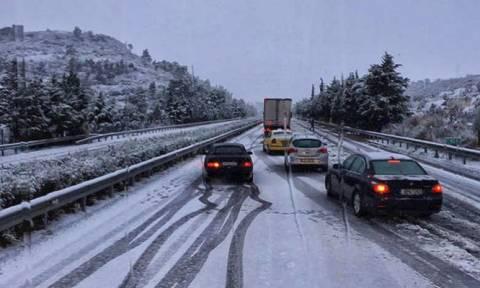 Καιρός: Απαγόρευση κυκλοφορίας φορτηγών στην Εγνατία οδό από τα Γρεβενά έως την Κοζάνη
