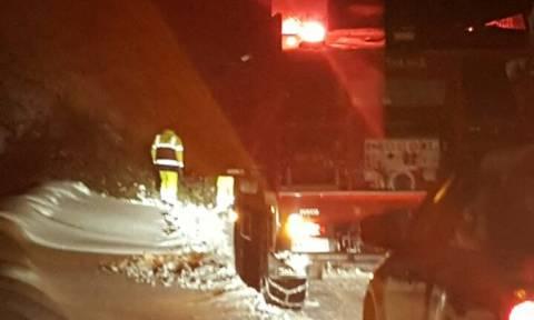 Εγκλωβίστηκαν στα χιόνια: Νύχτα αγωνίας για οχτώ άτομα στον Χορτιάτη