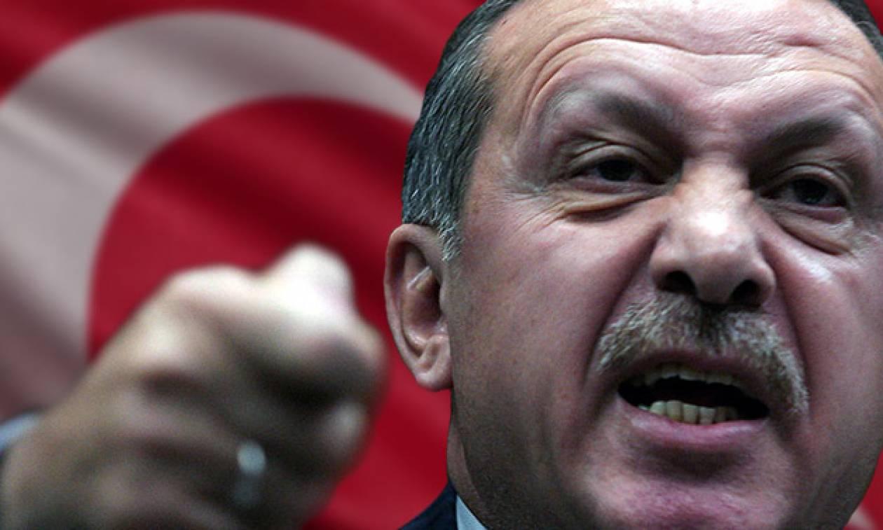 Αδιανόητη πρόκληση Ερντογάν: «Θα ρίξω τους ποταπούς Έλληνες στη θάλασσα» (Vids)