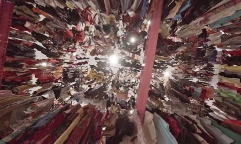 Κρατηθείτε! Αυτή είναι η μεγαλύτερη ντουλάπα ρούχων του κόσμου! (video)