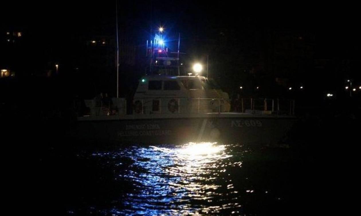 Θρίλερ στον Πειραιά: Πτώση οχήματος στο λιμάνι