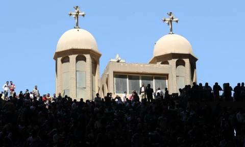 Ο τρόμος επέστρεψε στην Αίγυπτο: Έβαλαν βόμβα  σε εκκλησία – Νεκρός ένας αστυνομικός