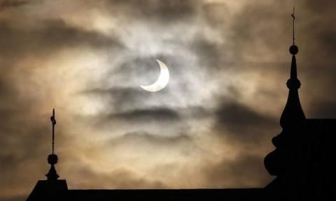Σήμερα (6/1) η μερική έκλειψη Ηλίου - Δείτε που θα είναι ορατή