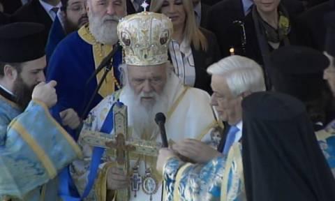 LIVE: Η Θεία Λειτουργία των Θεοφανείων και ο Καθαγιασμός των Υδάτων