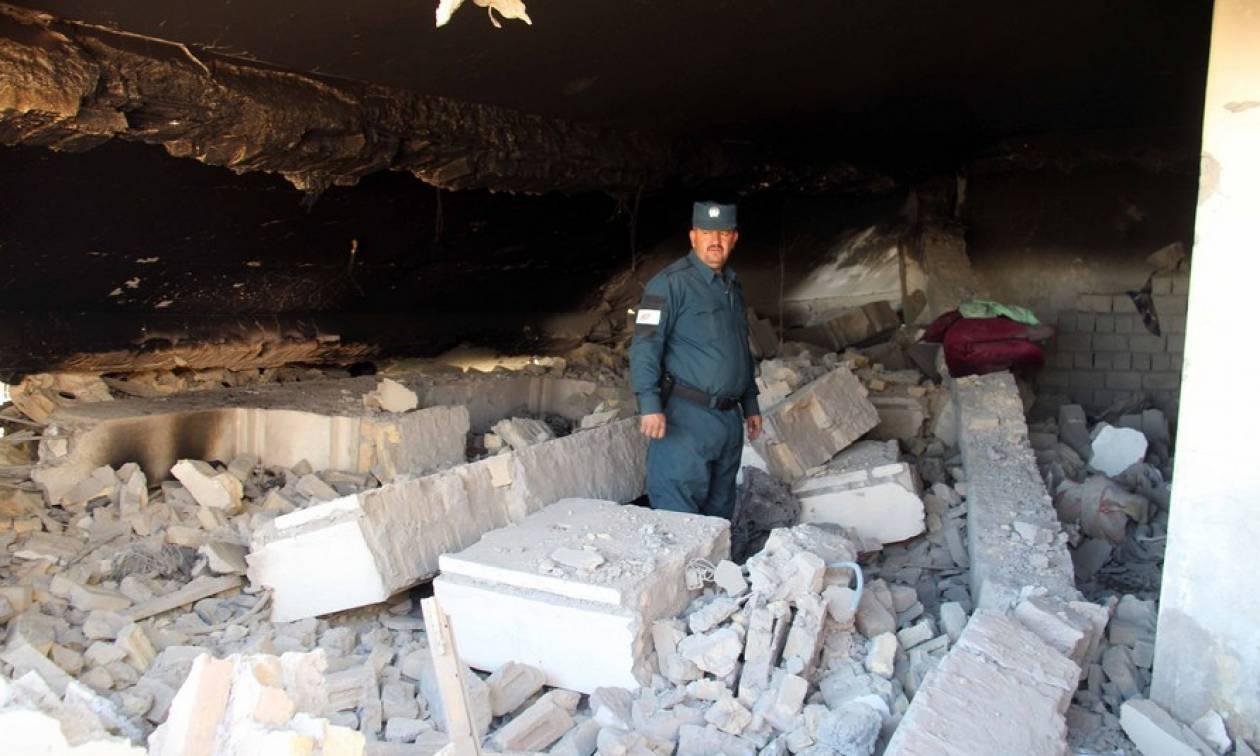 Αφγανιστάν: Τουλάχιστον 30 νεκροί από κατολίσθηση σε χρυσωρυχείο (pic)