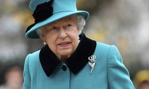 Η ριζική αλλαγή στη ζωή της Βασίλισσας Ελισάβετ και η ψεύτικη είδηση που μας τρόμαξε
