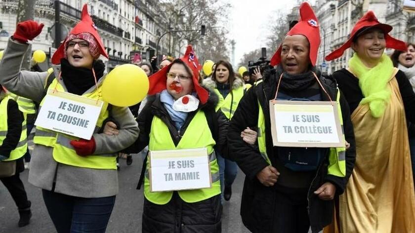 «Καζάνι που βράζει» η Γαλλία: Μαζική διαδήλωση από τις γυναίκες με τα «κίτρινα γιλέκα» στο Παρίσι