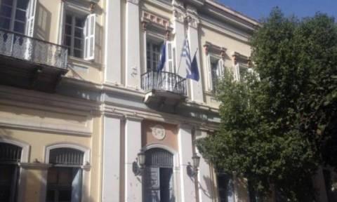 Απίστευτο περιστατικό στην Πάτρα με μία 60χρονη - Δείτε γιατί πάει καθημερινά στο δημαρχείο