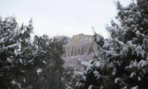 Καιρός: Επελαύνει ο «Τηλέμαχος» με πολικές θερμοκρασίες και χιόνια στην Αθήνα - Πού θα το στρώσει