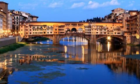 Ελληνίδα έγραψε το όνομά της σε διάσημη γέφυρα της Ιταλίας και την συνέλαβαν οι καραμπινιέροι