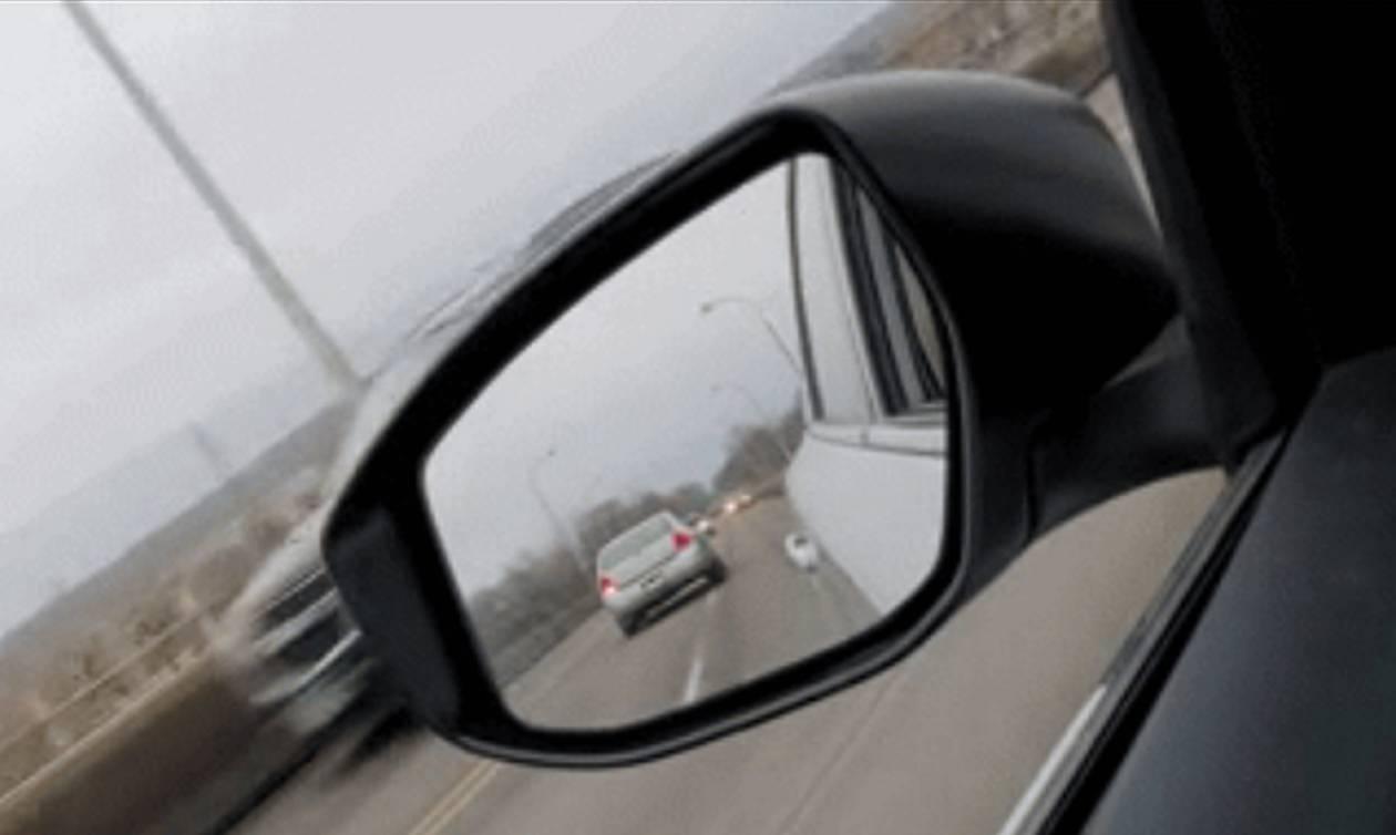 Βίντεο για ΓΕΡΑ νεύρα: Οδηγός πάει με όπισθεν στην εθνική! (vid)