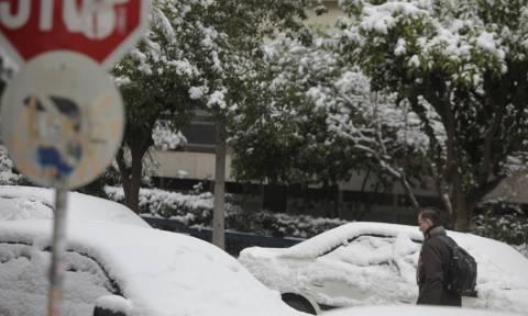 Καιρός Αθήνα: Δείτε πού χιονίζει ΤΩΡΑ στην Αττική