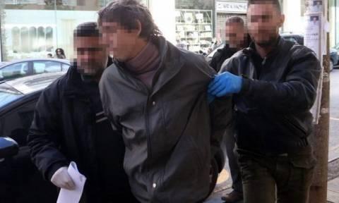 Ηράκλειο: Στο εδώλιο 35χρονος για τη δολοφονία του πατέρα του
