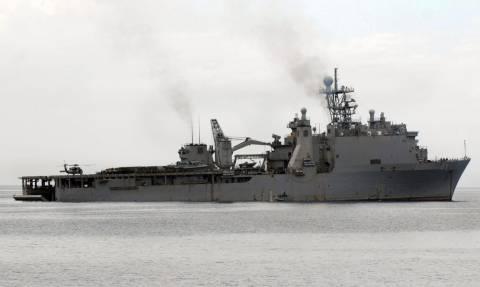 Ραγδαίες εξελίξεις: Ρωσικό πολεμικό πλοίο παρακολουθεί το αμερικανικό USS McHenry στη Μαύρη Θάλασσα