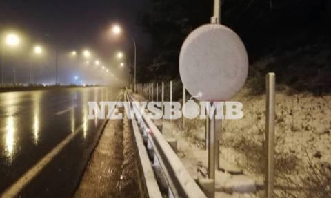 Καιρός Live: Ο χιονιάς «χτυπά» την Αθήνα – Το έστρωσε στα βόρεια προάστια (pics+vids)