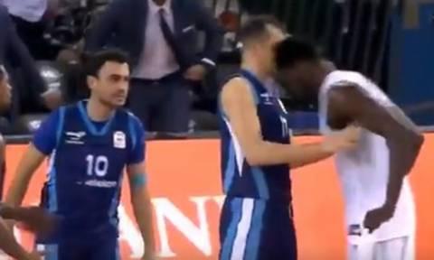 Παίκτης στην Τουρκία... τρελάθηκε και «σώριασε» δυο αντιπάλους! (video)