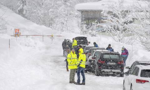 Στο έλεος σφοδρού χιονιά η Αυστρία: Πέντε νεκροί και δύο αγνοούμενοι (pics)