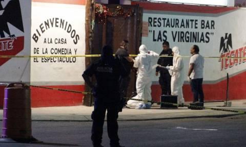 Μακελειό σε μπαρ στο Μεξικό: Τουλάχιστον εφτά νεκροί (pic)