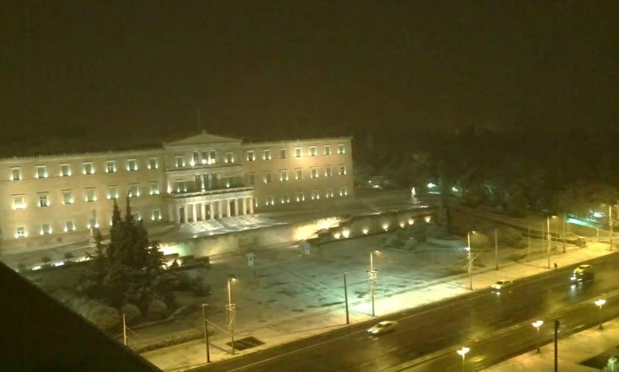 Καιρός Live - Χιονίζει στην Αθήνα: Δείτε τώρα ζωντανά που πέφτει χιόνι (live cameras)