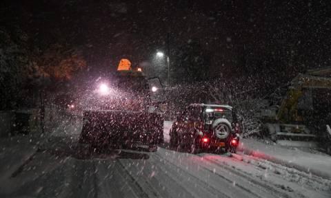 Καιρός ΤΩΡΑ - Χιόνια στην Αθήνα: Ποιοι δρόμοι είναι κλειστοί στο Λεκανοπέδιο