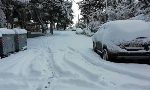 Δεν πάτε για δουλειά λόγω χιονιά; Δείτε τι προβλέπει η νομοθεσία