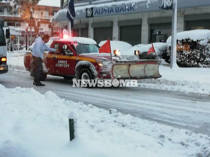 Καιρός: Ποια βελτίωση; «Σκάει» νέο βαρομετρικό χαμηλό – Θα χιονίσει στη μισή Ελλάδα