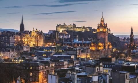 Πέντε λόγοι για να επισκεφθείτε τη Σκωτία