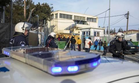 Για κακούργημα κατηγορείται ο φορτηγατζής που ενεπλάκη σε επεισόδιο με πρόσφυγες στα Διαβατά