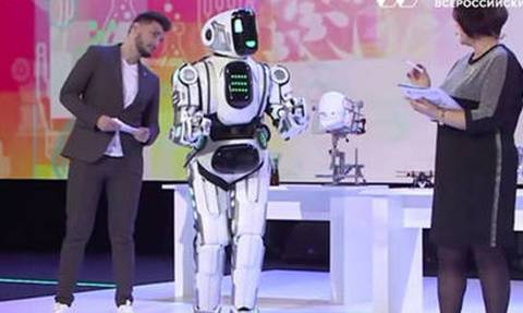 Αυτό το βίντεο δείχνει πόσο πίσω είναι οι Ρώσοι στην ρομποτική!