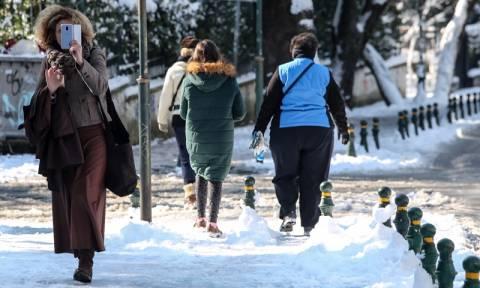 Καιρός χιόνια: Το ΚΑΤ δεν είναι αποκλεισμένο με 15 πόντους χιόνι!