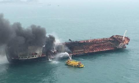 Πυρκαγιά σε τάνκερ στο Χονγκ Κονγκ: Ένας νεκρός και δύο αγνοούμενοι (pics+vid)