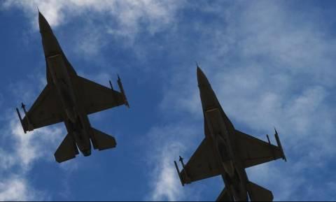 Νέες τουρκικές παραβιάσεις και τέσσερις εικονικές αερομαχίες πάνω από το Αιγαίο