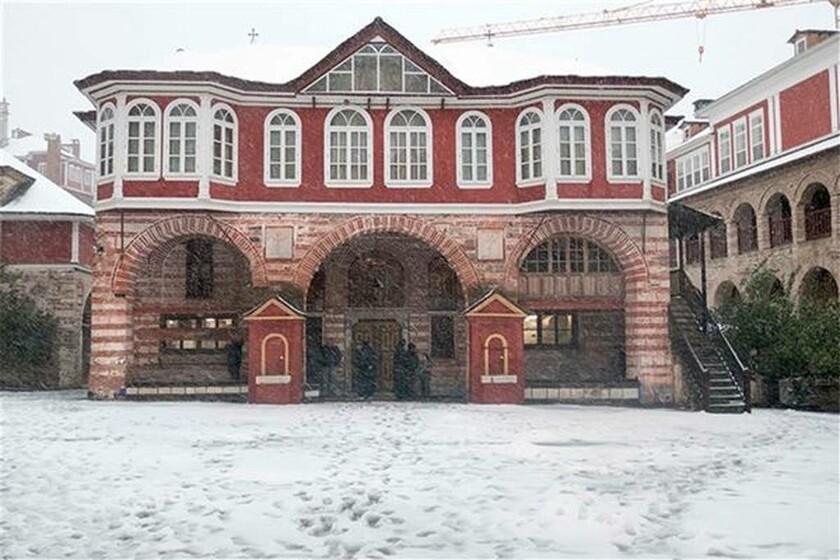 Χριστούγεννα στο χιονισμένο Άγιο Όρος και τη Μονή Βατοπεδίου (pics)
