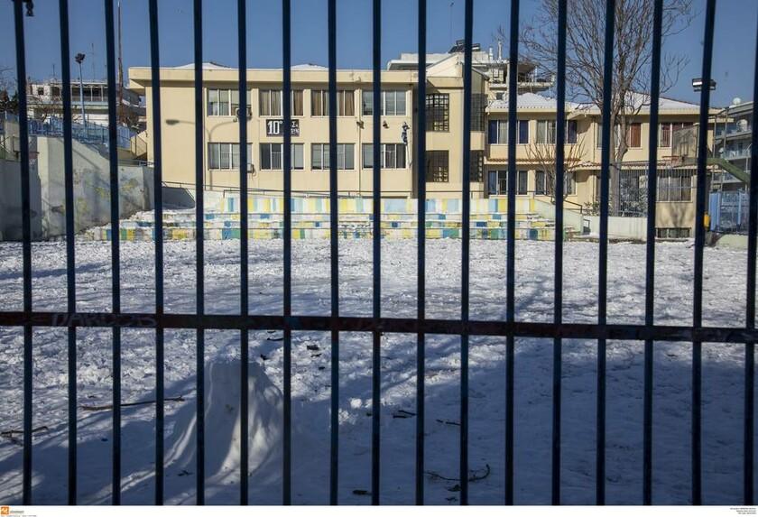 ΕΚΤΑΚΤΟ – Καιρός: Κλείνουν τα σχολεία στη Θεσσαλονίκη λόγω του χιονιά