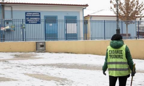 Χαμός στη Θεσσαλονίκη: «Έστειλα το παιδί μου στο σχολείο και το βρήκα στο νοσοκομείο»