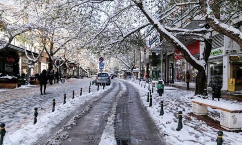 Καιρός Αθήνα: Η χιονισμένη Κηφισιά από ψηλά – Δείτε το συγκλονιστικό βίντεο (vid)