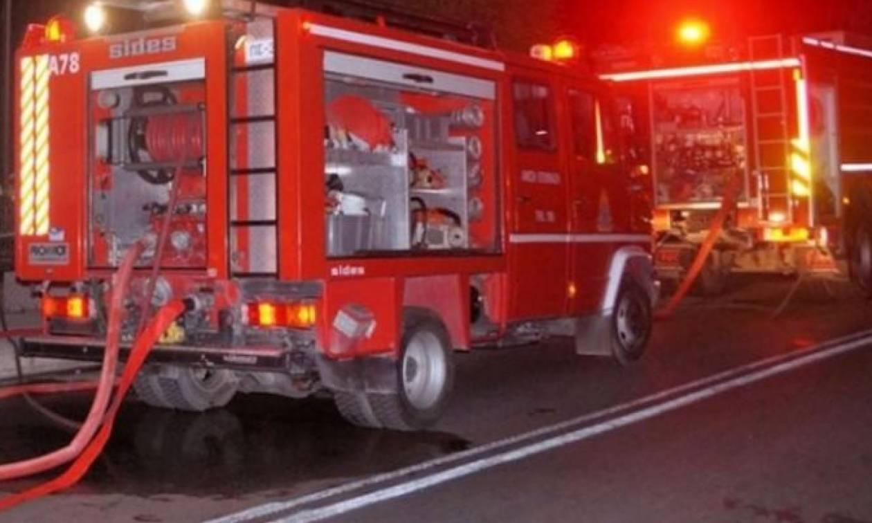 Θεσσαλονίκη: Φωτιά πήρε αυτοκίνητο του Δήμου Θέρμης