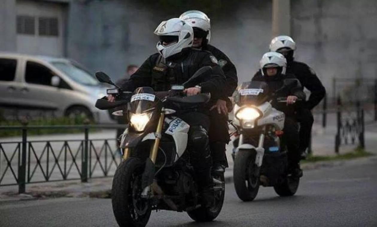 Χανιά: Ένστολοι πιάστηκαν στα χέρια στο κέντρο της πόλης