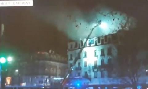 «Κόλαση» φωτιάς στη Γαλλία: Πολυκατοικία τυλίχθηκε στις φλόγες – Δεκάδες οι τραυματίες (Pics+Vid)
