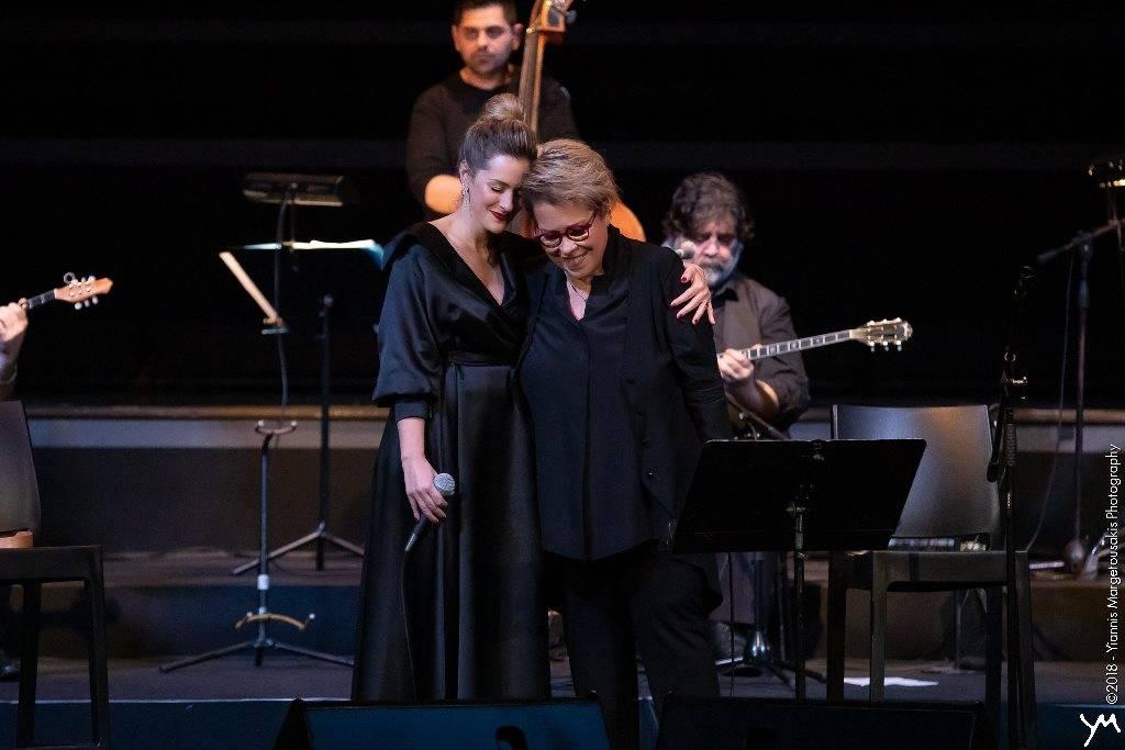 Δήμητρα Γαλάνη και Νατάσσα Μποφίλιου με την Ορχήστρα Βασίλης Τσιτσάνης στη Θεσσαλονίκη (pics)