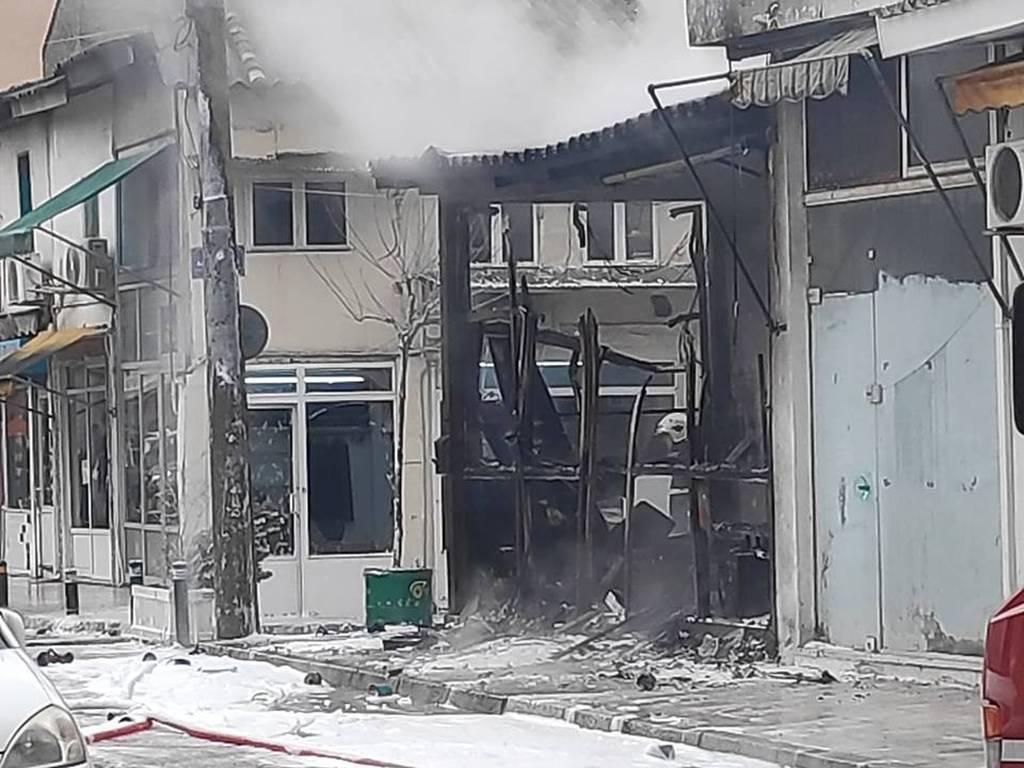 Συναγερμός στην Κομοτηνή: Έκρηξη στο κέντρο της πόλης με έναν τραυματία (pics&vid)