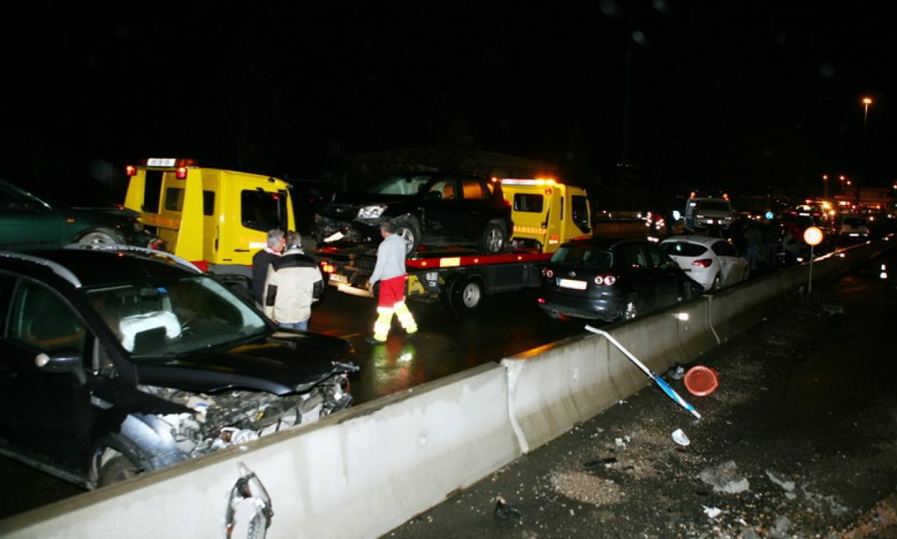 Θεσσαλονίκη: Καραμπόλα 10 οχημάτων - Κυκλοφοριακό «χάος» στο ρεύμα εξόδου της πόλης