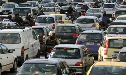 Κυκλοφοριακό χάος στην παραλιακή λόγω σοβαρού τροχαίου ατυχήματος