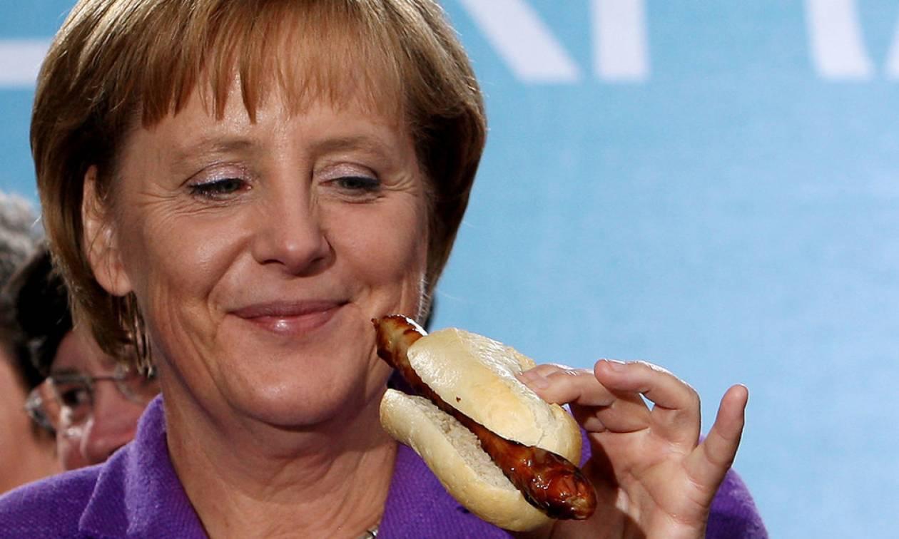 «Καημένε Έλληνα... Θέλει να φάει η Μέρκελ κι εσύ «τρως» τρεις ώρες στο δρόμο!»
